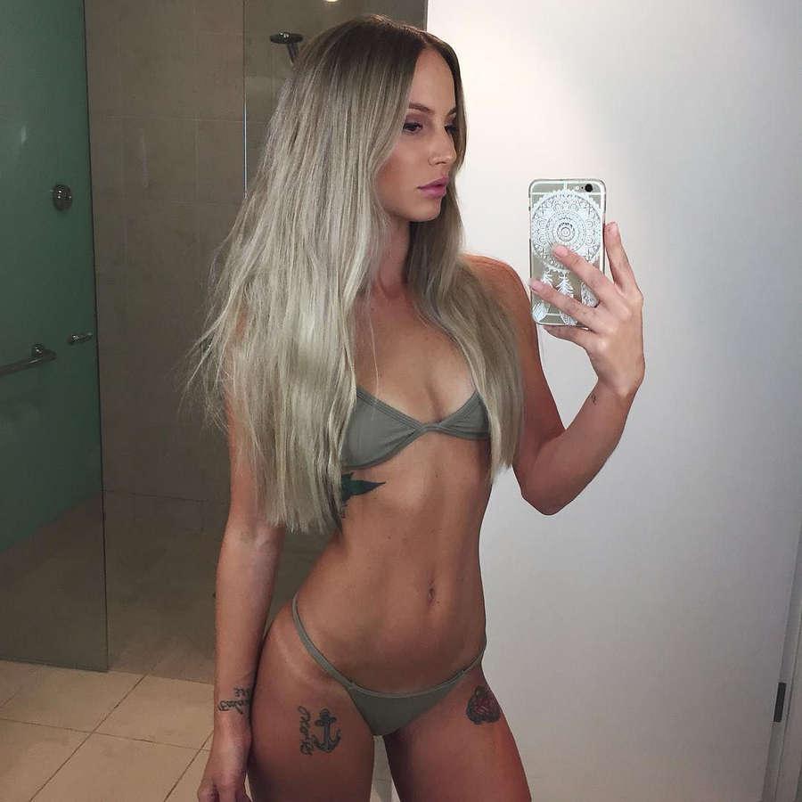 Amelia Jane NSFW