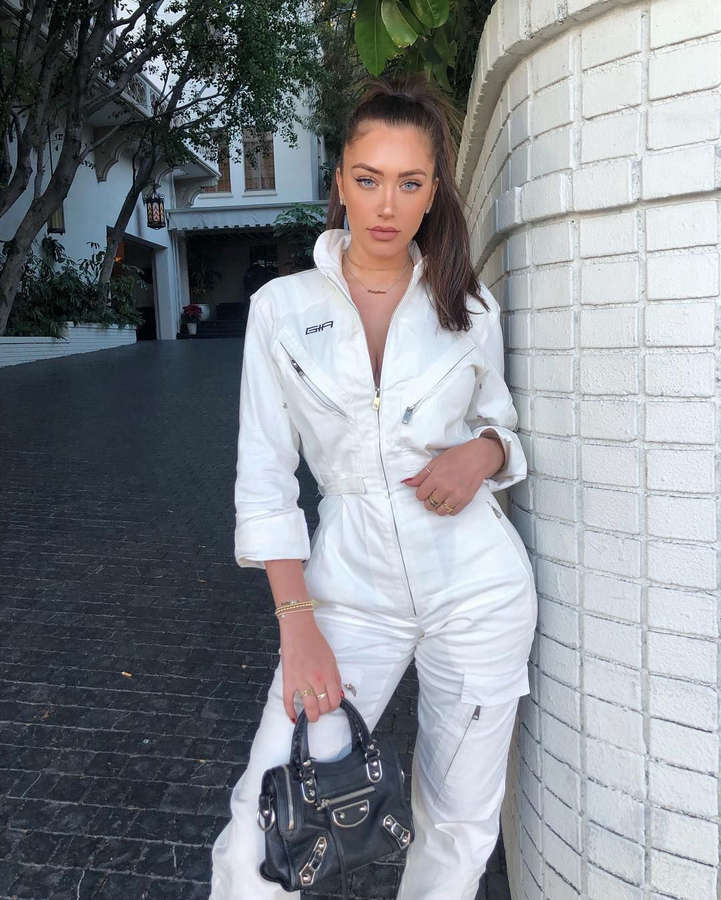 Anastasia Karanikolaou NSFW