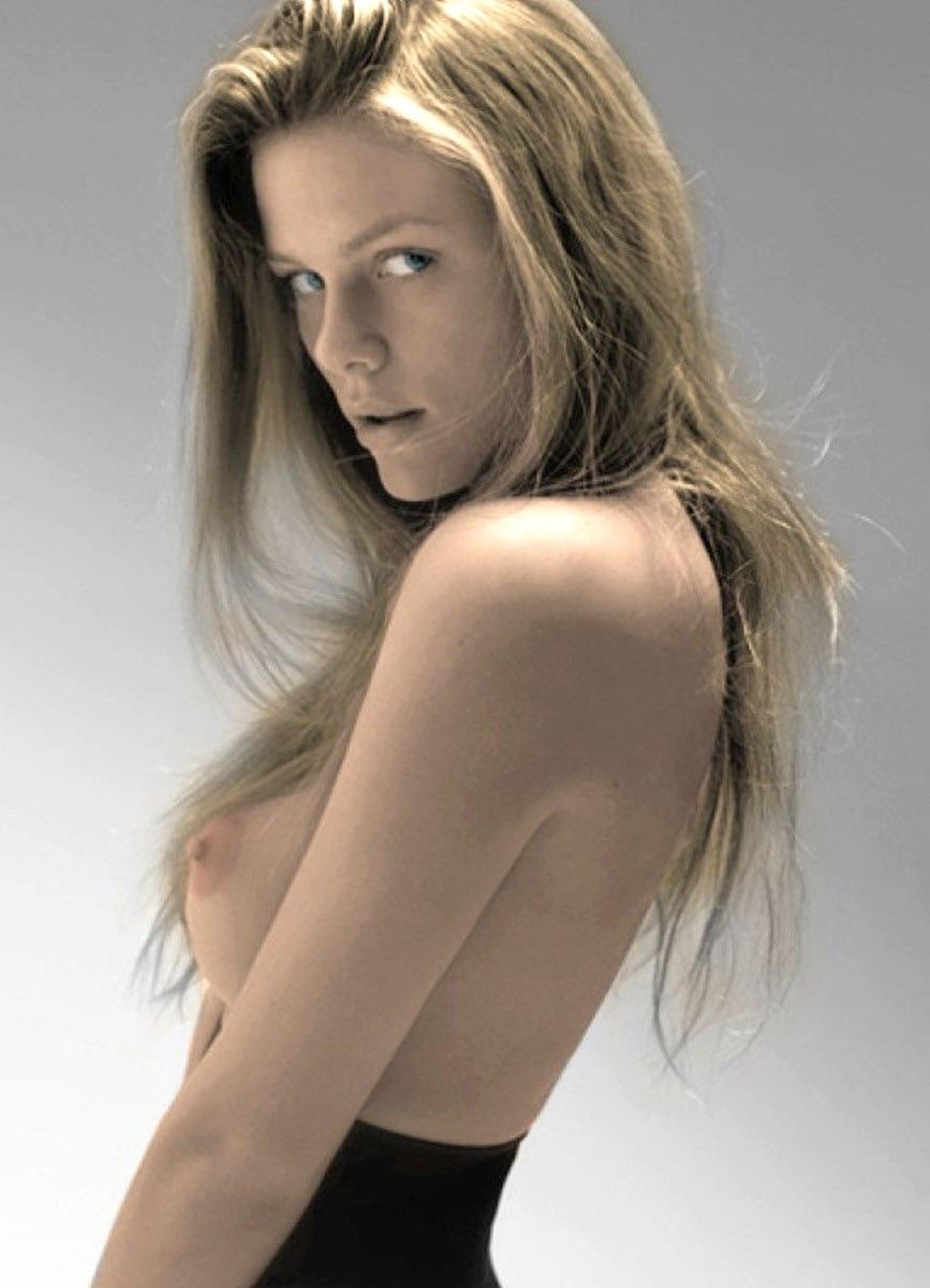 Brooklyn Decker NSFW