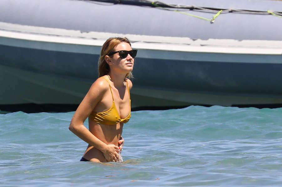 Camille Rowe NSFW