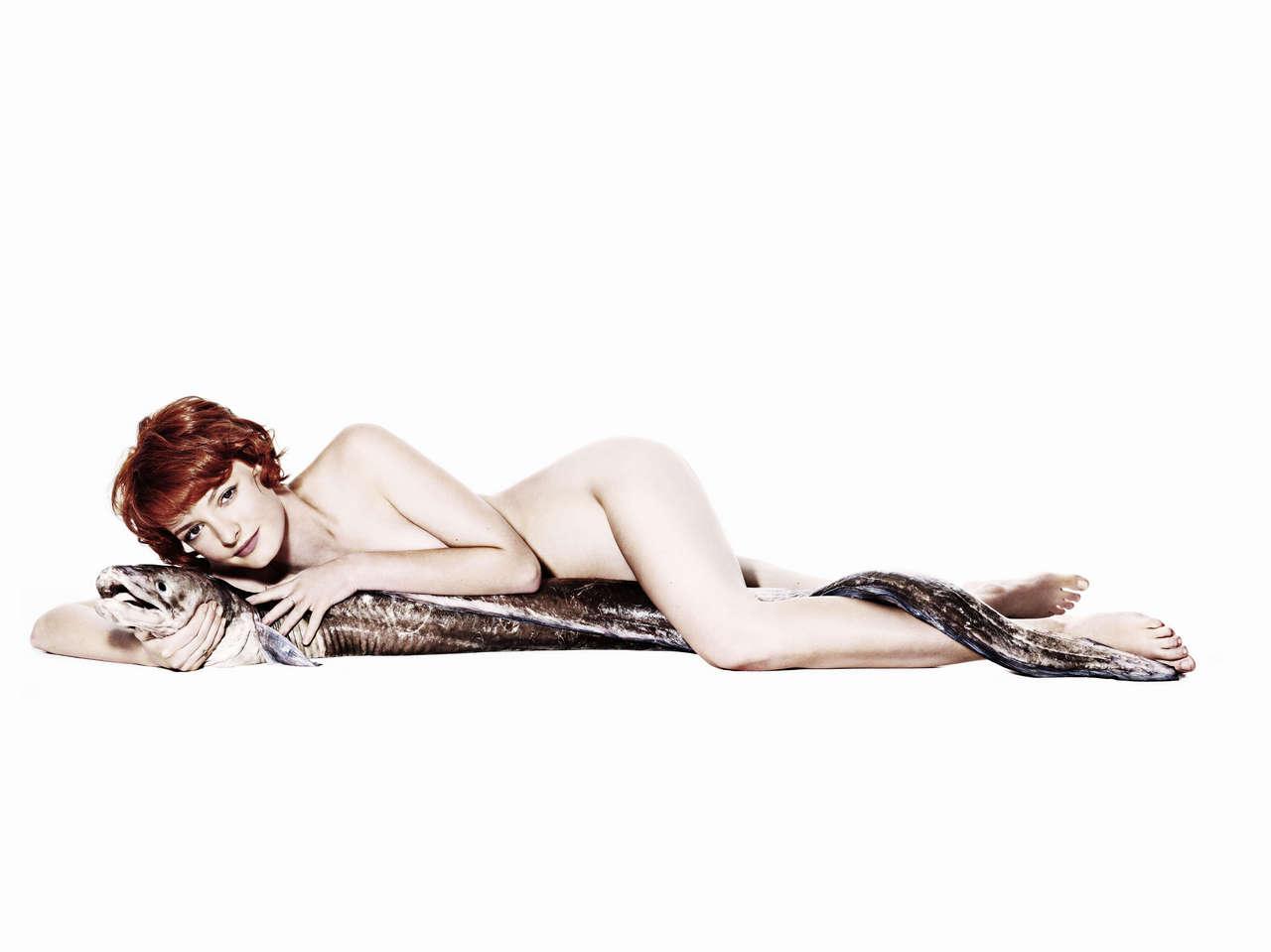 Dakota Blue Richards With A Conger Eel Naked 8980x6729 NSFW