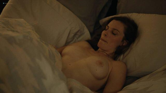Elizabeth Reaser From The Haunting Of Hill House In Easy NSFW