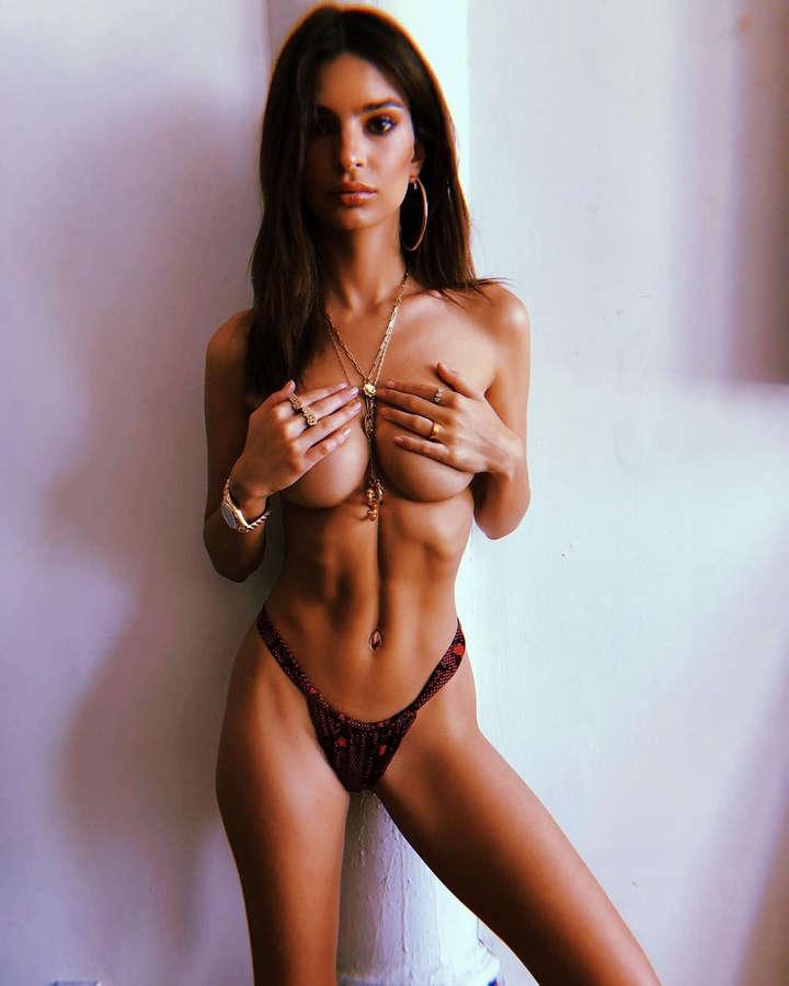 Emily Ratajkowski NSFW
