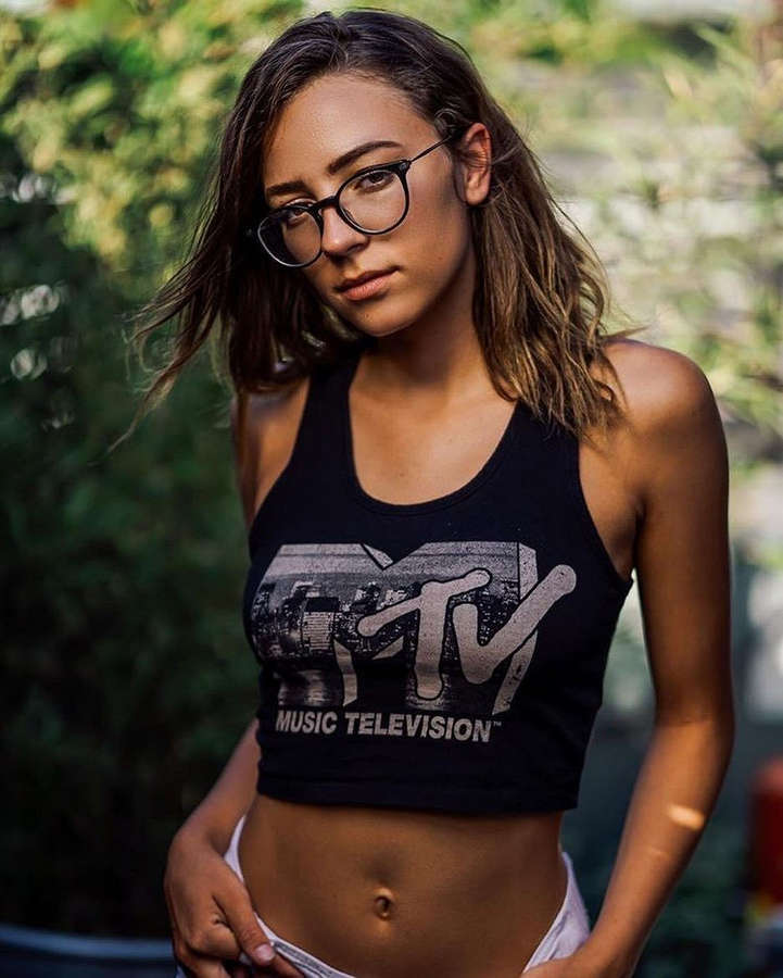 Emily Wills NSFW