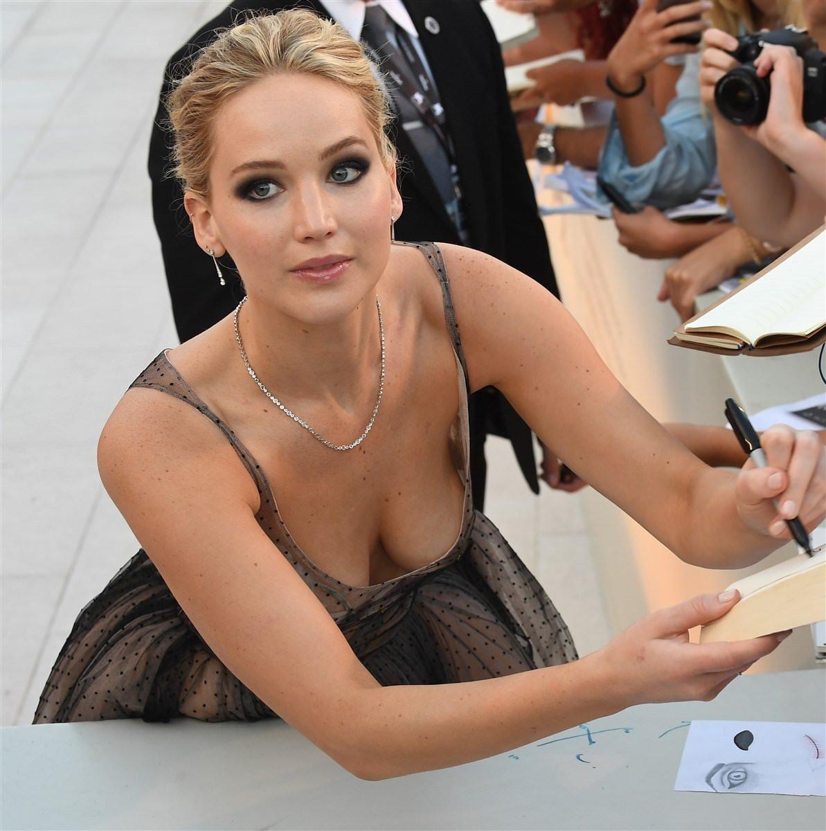 Jennifer Lawrence Down Blouse NSFW