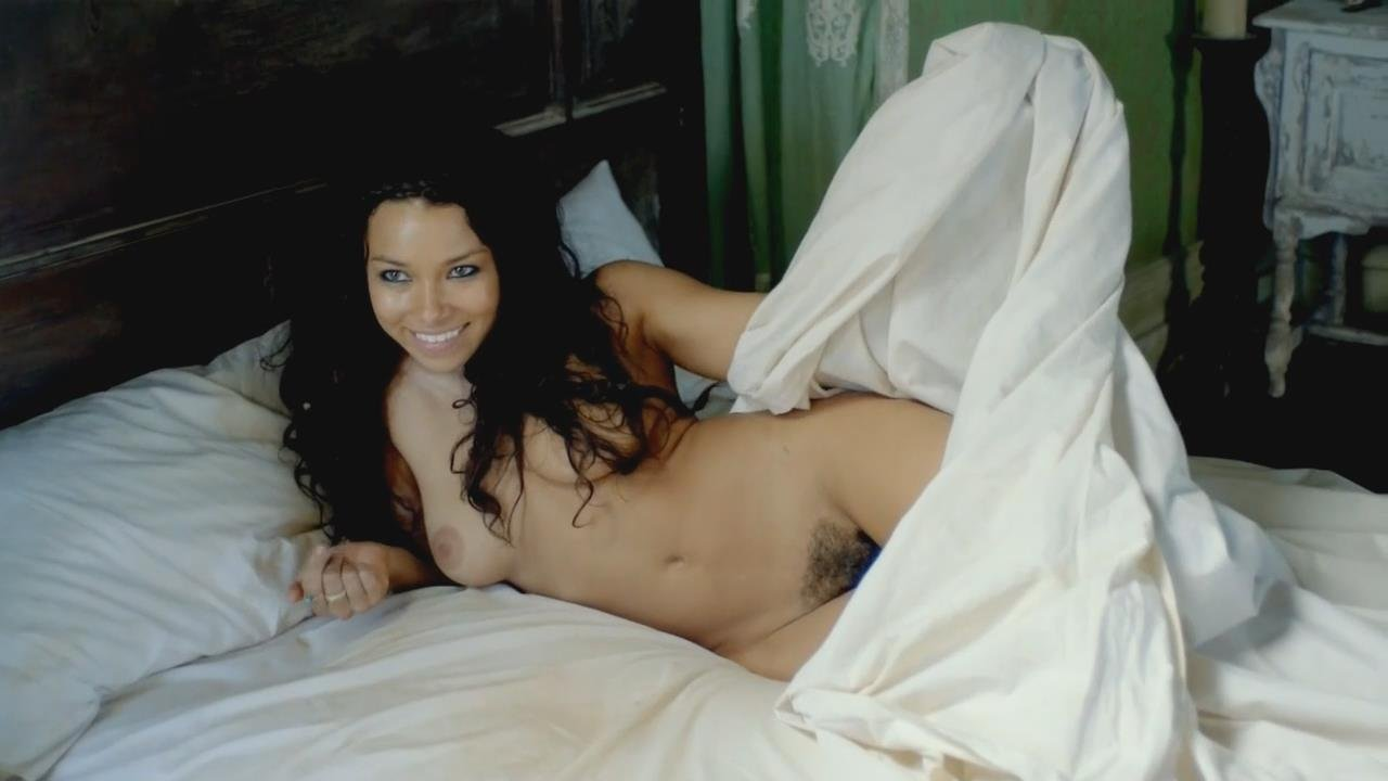 Jessica Parker Kennedy NSFW