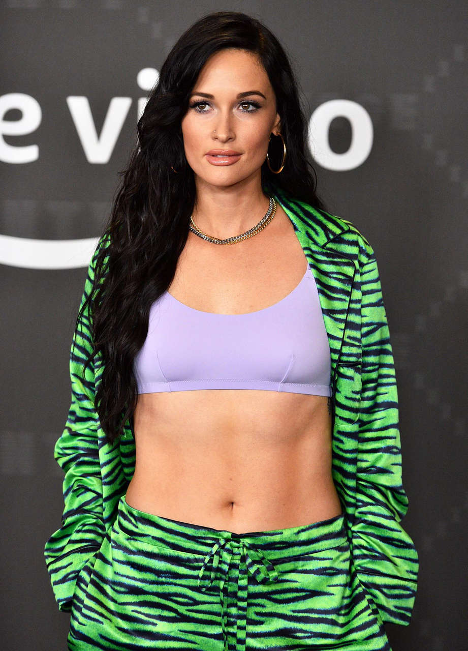 Kacey Musgraves Abs