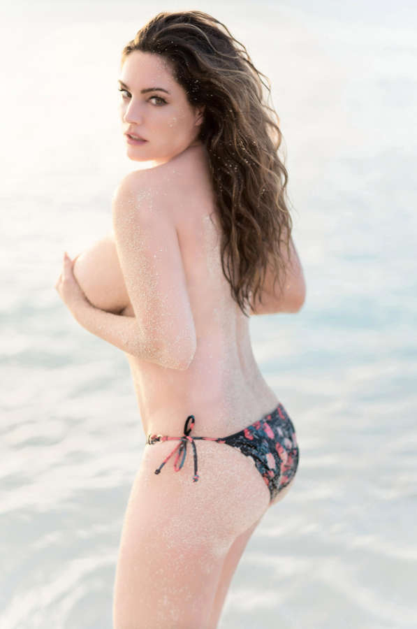 Kelly Brook NSFW