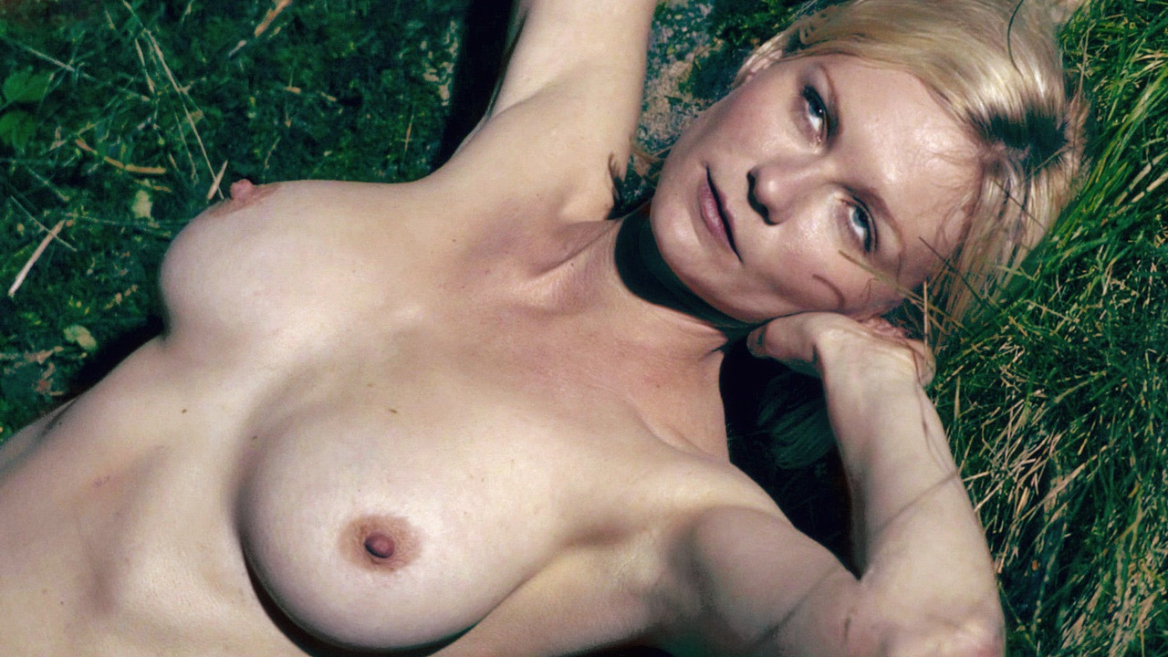 Kirsten Dust 3 NSFW