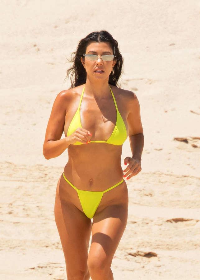 Kourtney Kardashian NSFW