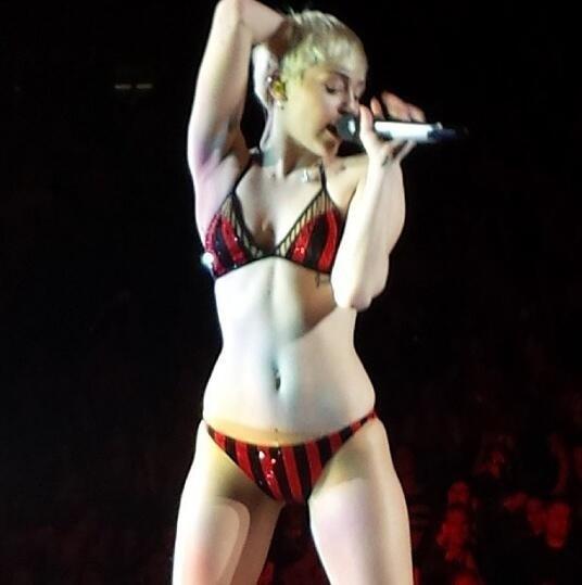 Miley Cyrus Bangerz Tour NSFW