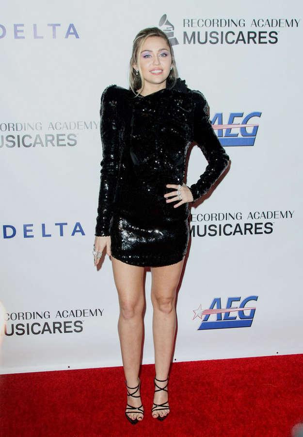 Miley Cyrus NSFW