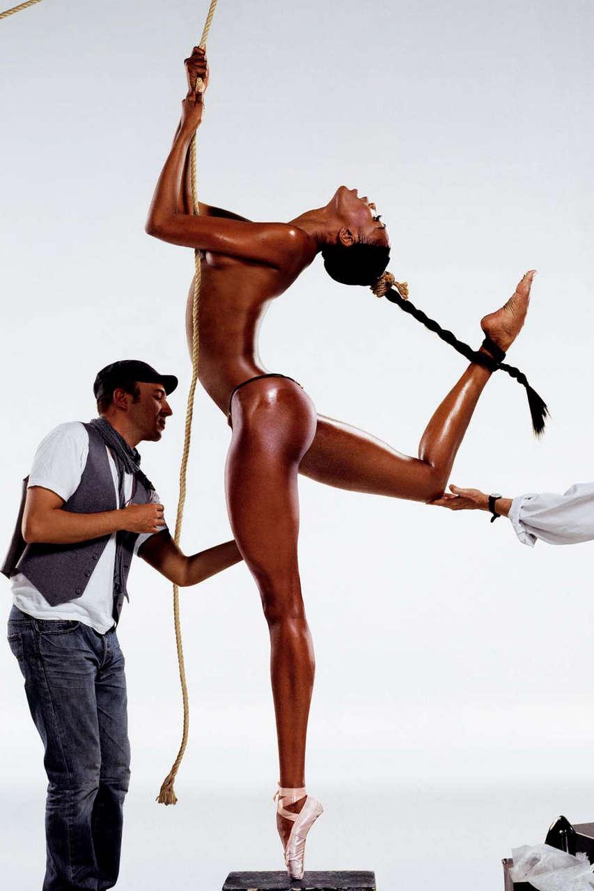 Naomi Campbell 2007 NSFW