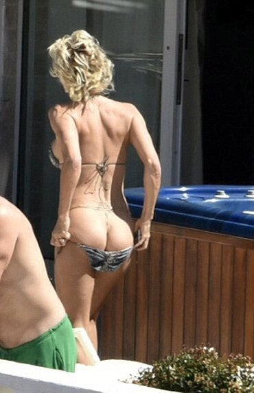 Pamela Anderson Flashing Butt In Italy NSFW