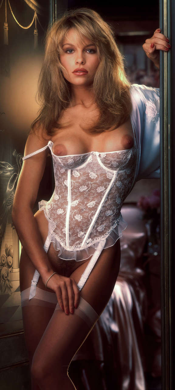 Pamela Andersons Playboy Centerfold 1990 NSFW