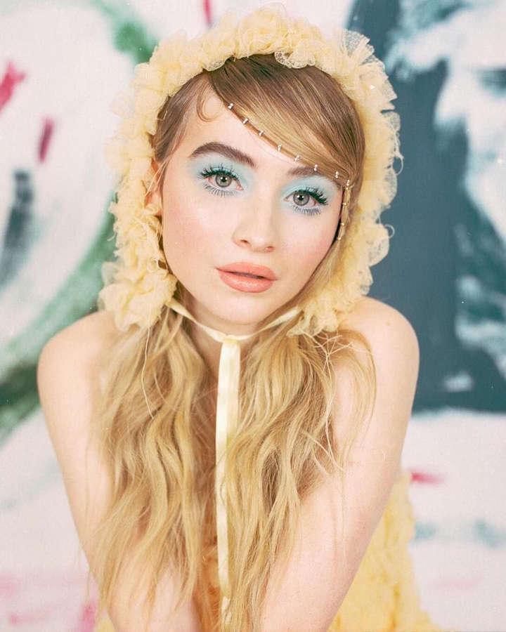 Sabrina Carpenter NSFW