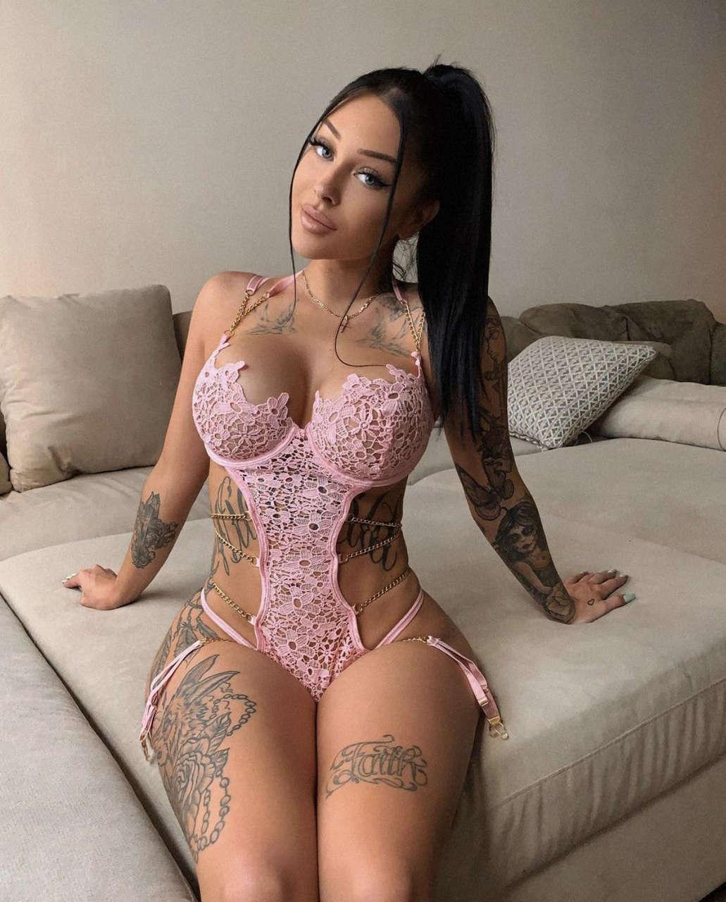 Valerie C Nude