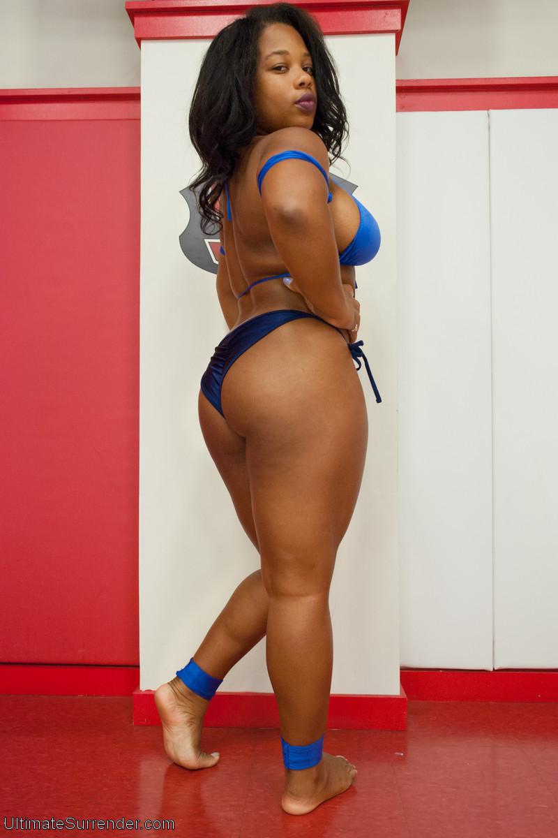 Yasmine Loven NSFW