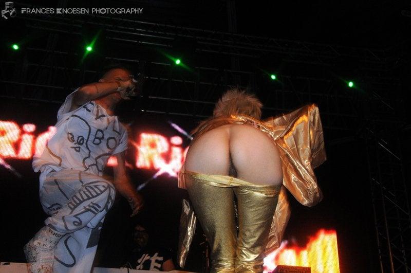 Yolandi Visser From Die Antwoord Showing Her Butthole NSFW